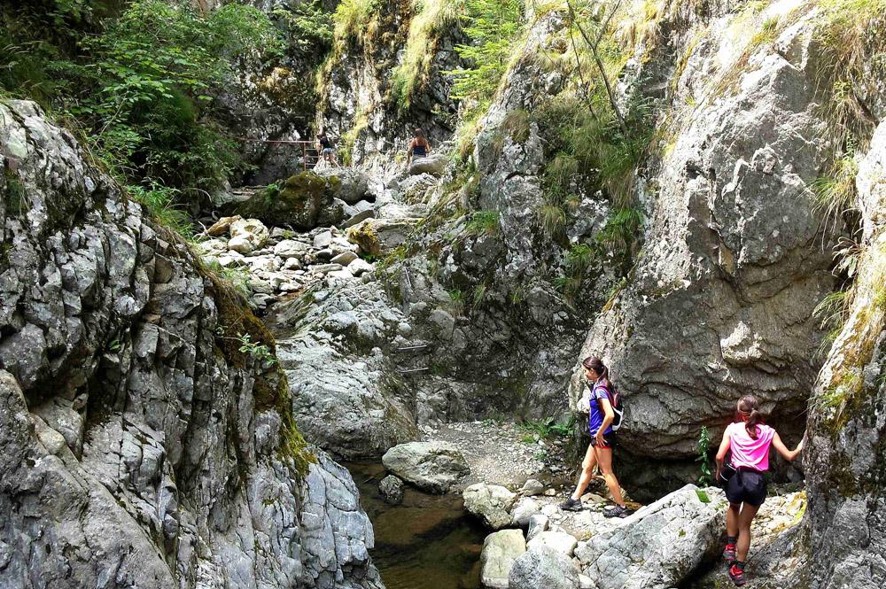 www.casabucureasa.ro - atractii turistice - Valea lui Stan